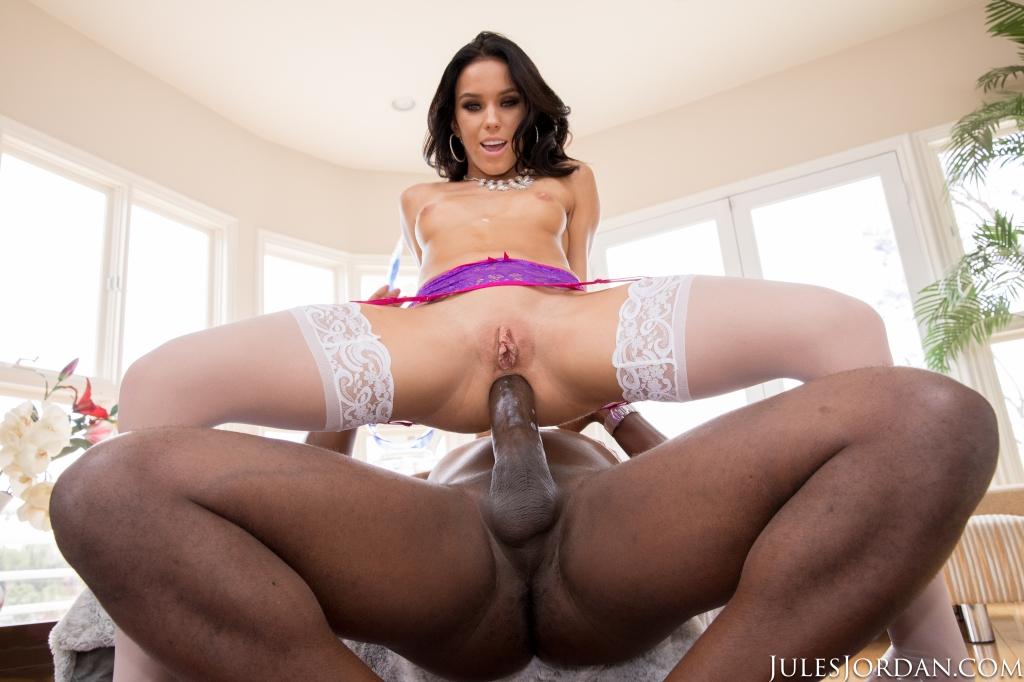 Megan Rain (Megan Rain Goes Ass To Mouth With Mandingo s Big Black Cock! / 24.10.17.)