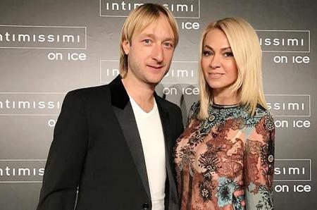 Яна Рудковская и Евгений Плющенко празднуют десятую годовщину знакомства