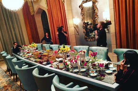 """Скотт Дисик: """"Скромный ужин в Дубае"""""""