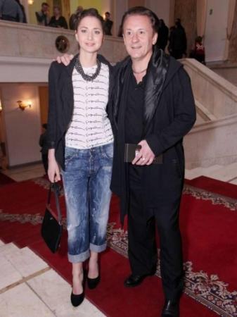 Их знакомство состоялось в День всех влюбленных на концерте Михаила Жванецкого.