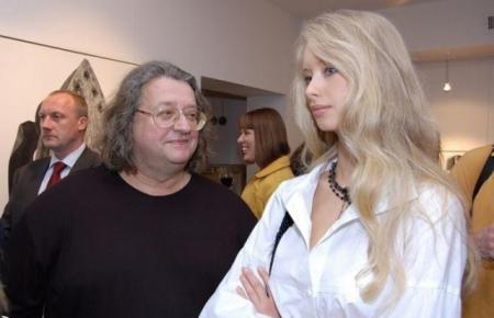 Александр Градский. Марина Коташенко, несмотря на разницу в возрасте в 31 год, является гражданской женой мэтра уже более десяти лет.
