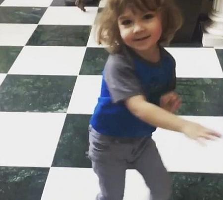 Танцы детей  Аллы Пугачевой и Максима Галкина покорили сердца пользователей