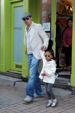 Брэд Питт с Захарой, 2009 год
