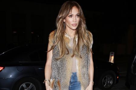 Дженнифер Лопес сходила на свидание с Дрейком: папарацци сфотографировали певицу в Лос-Анджелесе