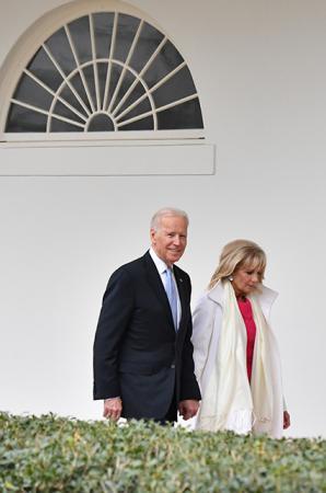 Вице-президент США Джо Байден с женой Джилл Байден