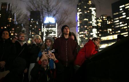 В Нью-Йорке голливудские звезды вышли на митинг против Трампа