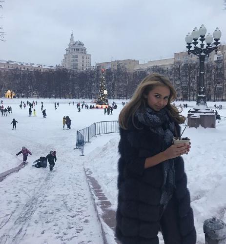 Стеша Маликова купается в любви бойфренда