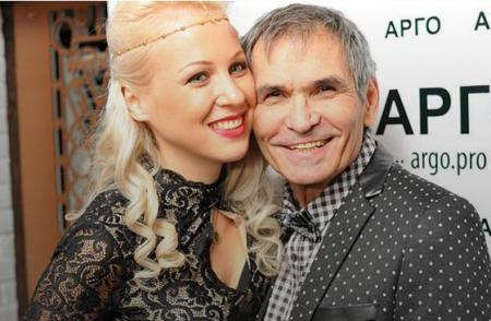 Бари Алибасов ушел от молодой жены, узнав, что она родила от другого мужчины