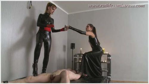 RuthlessMistress - Dominas in black latex [HD 720p]