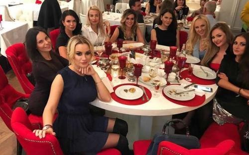 «На закуску денег не хватило»: вечеринка Пынзарь и Бородиной вызвала шквал шуток в Instagram