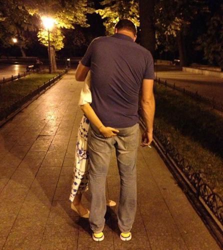 Ксения Собчак без лифчика зажгла на вечеринке - видео ее прыгающей груди взрывает сеть