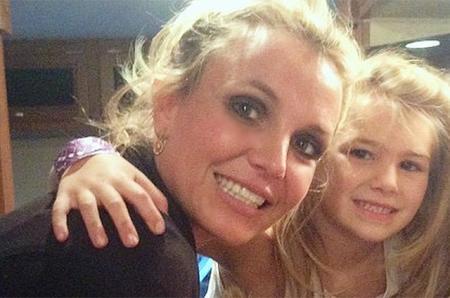 8-летняя племянница Бритни Спирс госпитализирована в критическом состоянии после аварии