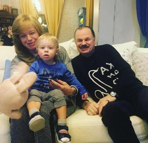 Родители Владимира Преснякова прививают внуку любовь к музыке
