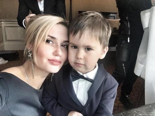 Агата Муцениеце рассказала о новых увлечениях своего сына