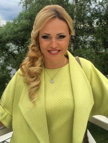 Алла Довлатова расплакалась после общения с Машей Малиновской