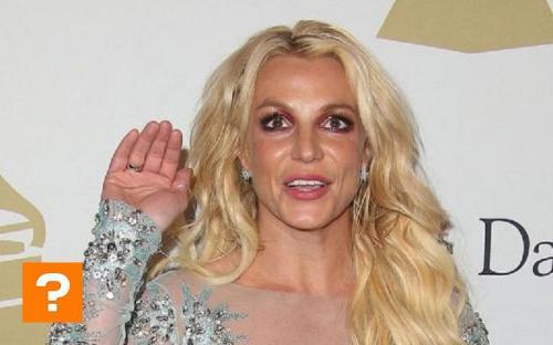 «Молодая бабушка»: Бритни Спирс шокировала поклонников своим прозрачным платьем и старческим лицом