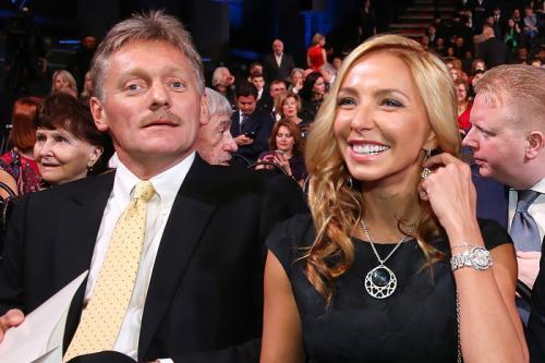 Татьяна Навка показала семейное селфи с Песковым с признаниями в любви