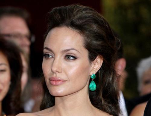 СМИ: Аджелина Джоли нашла нового возлюбленного