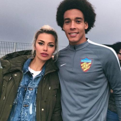 Экс-возлюбленный Виктории Бони ревнует ее к футболисту