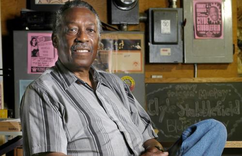 Барабанщик Клайд Стаблфилд скончался в возрасте 72 лет