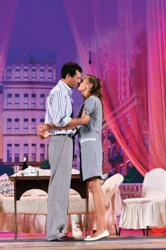 Андрей и Мария играют в одной театральной постановке