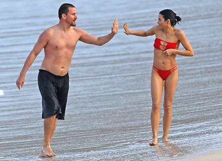 Ченнинг Татум и Дженна Дьюэнн проводят романтические каникулы на Гавайях