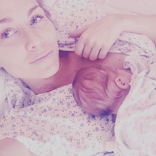 Катя Гордон показала первое фото новорожденного сына