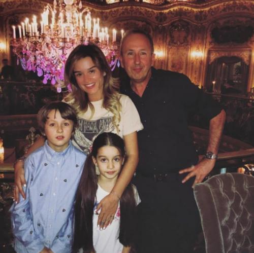 Ксения Бородина рассказала о своем детстве и показала мужчину, заменившего ей отца