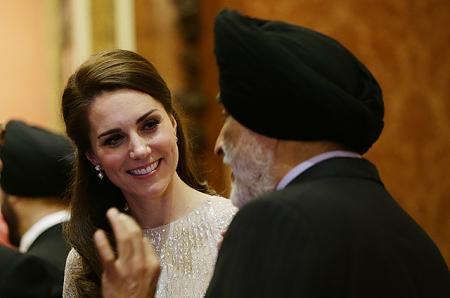 Кейт Миддлтон, принц Уильям, королева Елизавета II на приеме в честь начала года культуры Индии в Великобритании
