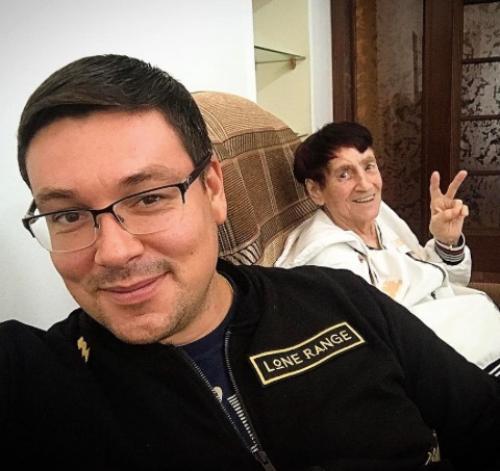 Андрей Чуев ставит бабушку на ноги после инсульта