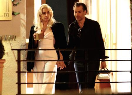 Леди Гага и ее бойфренд Кристиан Карино больше не скрывают своих чувств от папарацци