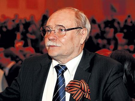 Владимир Бортко посоветовал Андрею Макаревичу сунуть два пальца в рот