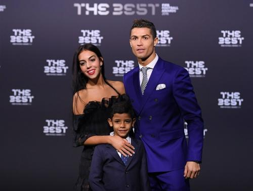 The Sun: Криштиану Роналду готовится стать отцом близнецов