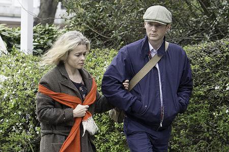 Хелена Бонем Картер была замечена с неизвестным мужчиной: друг или новый бойфренд?