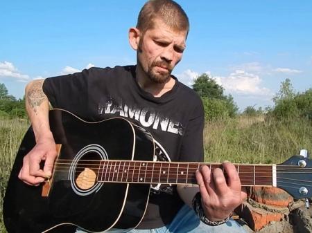 Умер болевший туберкулезом панк-рокер Константин Ступин
