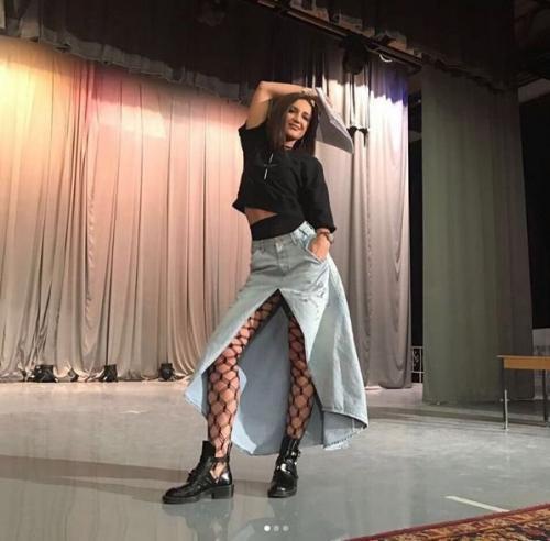Ольга Бузова опозорилась, позируя на камеру под «Грибы»