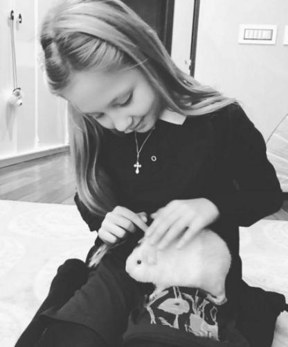Глюкоза не знает чем помочь своей дочери
