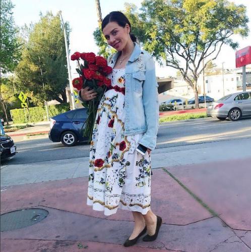 Полуобнаженная Анна Седокова намекнула на проблемы с весом