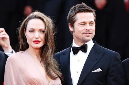 Брэд Питт тайно навещал Анджелину Джоли и детей в Камбодже