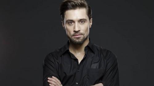 После концерта в Омске Дима Билан раздавал постельное белье в поезде