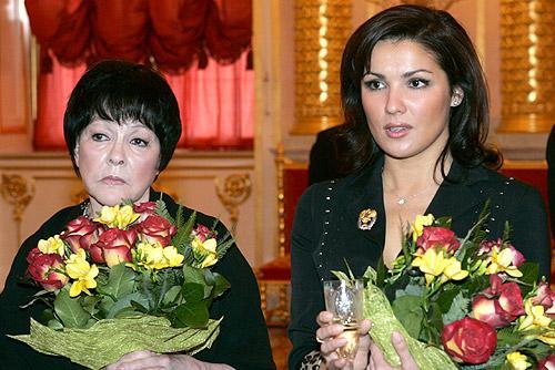 Белла Ахмадулина: как стихи великой поэтессы попали в советские фильмы