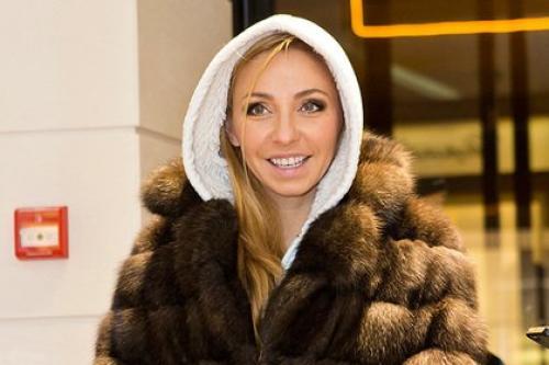 Татьяну Навку первой поздравила с днем рождения сестра Наталья