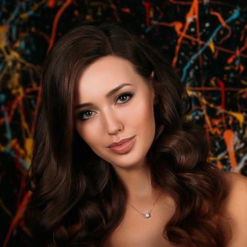 Анастасия Костенко делает уколы красоты ради предотвращения выпадения волос