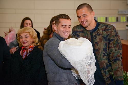 Александр Кержаков с сыном и братом Михаилом