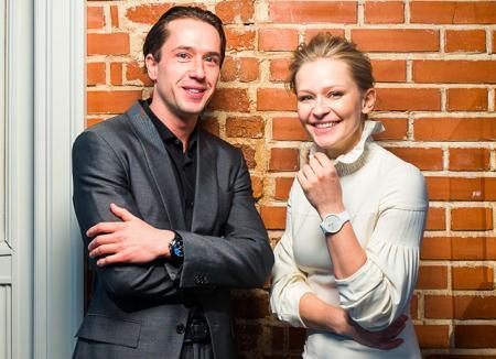 Юлия Пересильд и Егор Корешков на поэтическом завтраке в Театре Наций