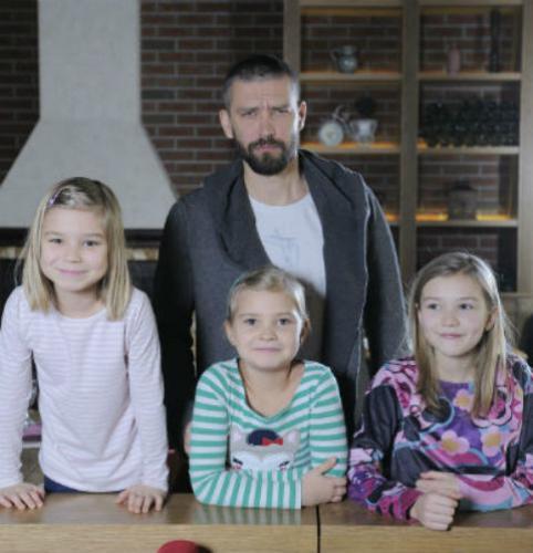 Дочерей Владимира Кристовского унижают в школе