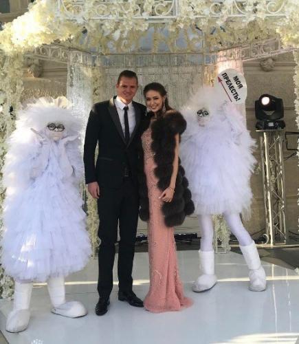 Костенко оправдывается за развод Бузовой и Тарасова