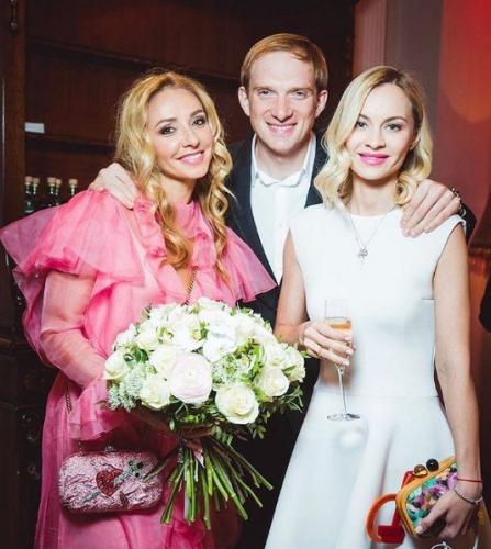 Татьяна Навка потратила на наряд Барби больше полумиллиона рублей