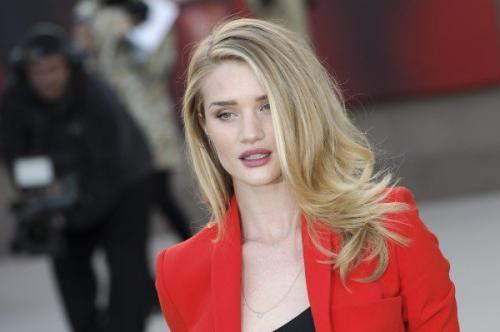 Модель  Victoria's Secret  рассказала о правилах для удачного селфи