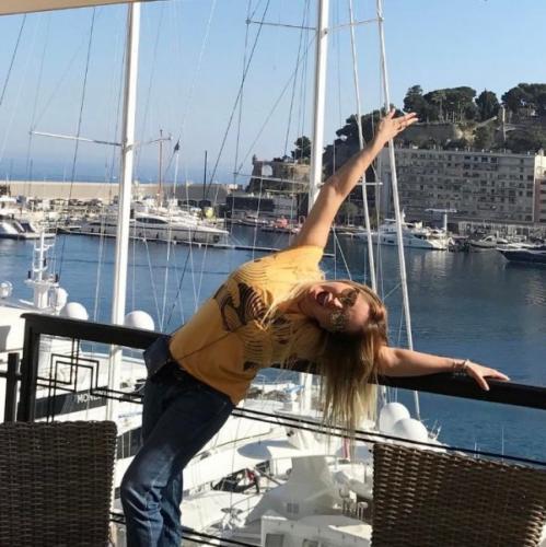 Анна Семенович призвала искать в жизни позитив и счастье
